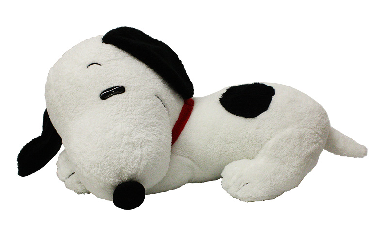 SNOOPY AND THE PEANUTS -  SNOOPY PLUSH (18
