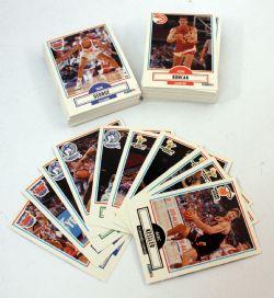 1990-91 BASKETBALL -  FLEER UPDATE SET (100 CARDS)