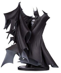 BATMAN -  BATMAN STATUE (9.5 INCHES) -  BLACK AND WHITE BY TODD MCFARLRNE