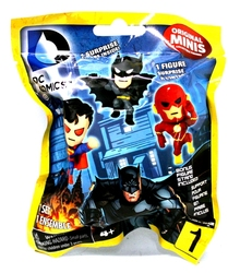 DC COMICS -  MYSTERY FIGURE (3 INCH)