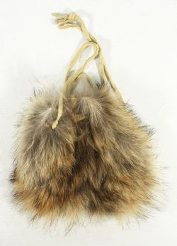 FOURRURE -  SMALL COYOTE POUCH