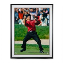 GOLF -  TIGER WOODS AUTOGRAPHED