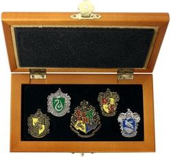 HARRY POTTER -  HOUSE CREST PINS SET