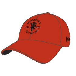 MANCHESTER UNITED -  OLD TRAFFORD ADJUSTABLE CAP - RED