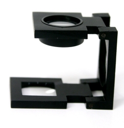 POCKET MAGNIFIERS -  FOLDING MAGNIFIER WITH CALIBRATION AND LED (5X)