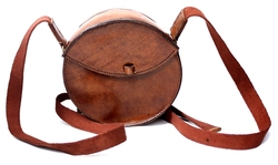 POUCHES -  ROUND LEATHER BAG - BROWN