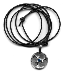 QUERCUS ALBA -  ROUND TRISKEL WITH GEMSTONE PENDANT - SILVER AND BLUE STONE