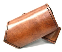 SCABBARDS -  LEATHER SWORD HOLDER - RIGHT HAND - BROWN