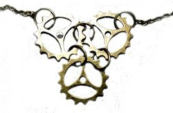 STEAMPUNK -  TRIPLE GEAR NECKLACE