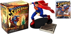 SUPERMAN -  SUPERMAN COLLECTIBLE FIGURINE AND PENDANT MINI KIT