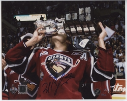 VANCOUVER GIANTS -  MILAN LUCIC AUTOGRAPHED PHOTO (8 X 10)