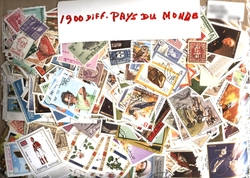 WORLD -  1900 ASSORTED STAMPS - WORLD