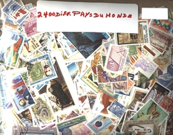 WORLD -  2400 ASSORTED STAMPS - WORLD