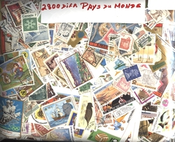 WORLD -  2800 ASSORTED STAMPS - WORLD