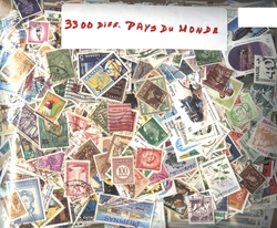 WORLD -  3300 ASSORTED STAMPS - WORLD