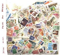 WORLD -  3500 ASSORTED STAMPS - WORLD