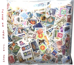 WORLD -  6300 ASSORTED STAMPS - WORLD