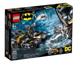 BATMAN -  LE COMBAT EN BATMOTO CONTRE MR. FREEZE (200 PIÈCES) -  DC SUPER HEROES 76118