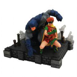 BATMAN -  STATUE PVC DELUXE DE BATMAN & CARRIE (22CM) -  DC GALLERY DARK KNIGHT RETURNS