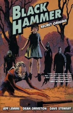 BLACK HAMMER -  LIVRES USAGÉS - BUNDLE TOMES 1 À 4 (ANGLAIS) 01