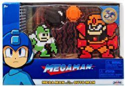 MEGAMAN -  FIGURINE 8-BIT DE MEGA MAN CONTRE GUTS MAN (8CM)
