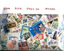 MONDE -  2300 DIFFÉRENTS TIMBRES - MONDE