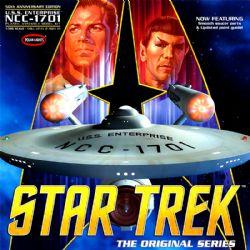 STAR TREK -  U.S.S. ENTERPRISE NCC-1701 1/350 - (MOYEN)