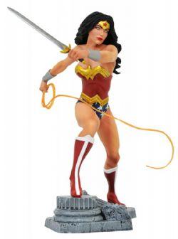 WONDER WOMAN -  STATUE EN PVC DE WONDER WOMAN (22CM) -  DC GALLERY